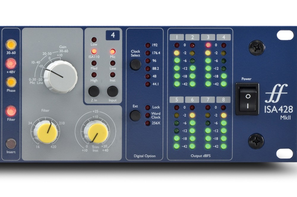 Focusrite ISA428 MkII. Permite variar la impedancia entre Low, ISA 110, Med y High.